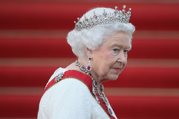 Crown - Headwear「Queen Elizabeth II Visits Berlin」:写真・画像(0)[壁紙.com]
