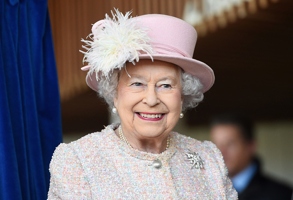 笑顔「The Queen Visits West Sussex」:写真・画像(17)[壁紙.com]