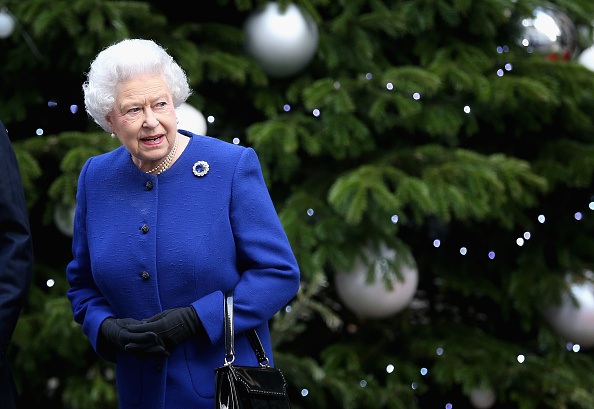 Christmas「Queen Elizabeth II Attends The Government's Weekly Cabinet Meeting」:写真・画像(7)[壁紙.com]