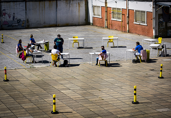 Buenos Aires「Schools Start To Partially Reopen in Buenos Aires Amid Coronavirus Pandemic」:写真・画像(16)[壁紙.com]