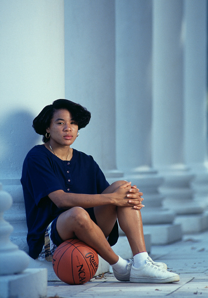 Only Women「Portrait of Dawn Staley」:写真・画像(5)[壁紙.com]
