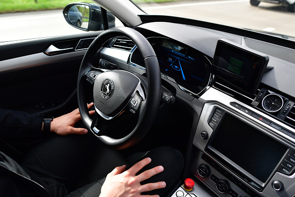 Driver - Occupation「Continental AG Tests Autonomous Car Functions On A2 Highway」:写真・画像(13)[壁紙.com]