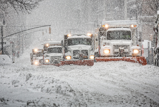 Snowdrift「Snowplow trucks on Lexington Avenue during snowstorm. Manhattan. Upper East Side.New York City.」:スマホ壁紙(9)