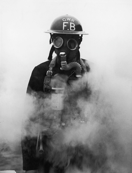 Fred Morley「Gas Warfare」:写真・画像(0)[壁紙.com]
