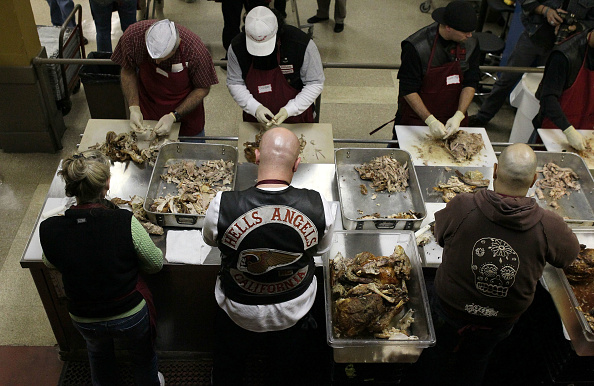 Charity and Relief Work「Hells Angels Volunteers Prepare Thanksgiving Dinner At SF Soup Kitchen」:写真・画像(6)[壁紙.com]