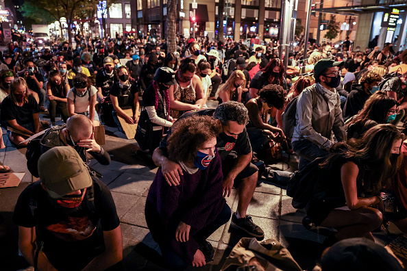 Denver「Protests Erupt Across U.S. After Charges In Death Of Breonna Taylor Are Announced」:写真・画像(15)[壁紙.com]