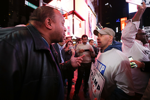 Politics「Crowds Gather In New York To Watch Election Results From Across The Country」:写真・画像(16)[壁紙.com]