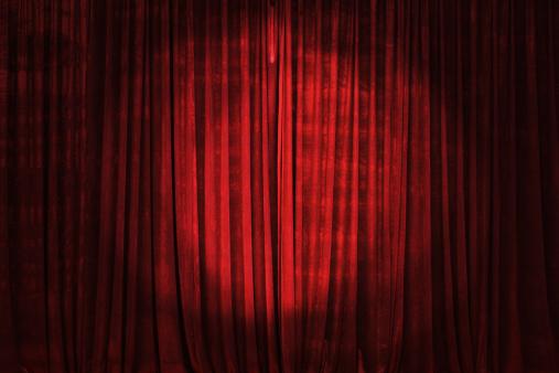 Velvet「Spotlight on the Stage Curtain」:スマホ壁紙(2)
