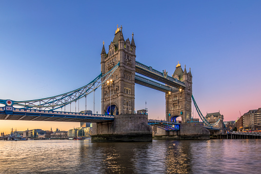 London Bridge - England「London Tower Bridge during sunrise」:スマホ壁紙(0)