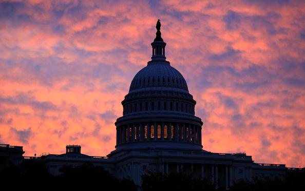 Morning「Senate Continues To Debate Health Car Reform Bill」:写真・画像(7)[壁紙.com]