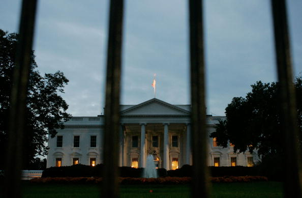 Morning「White House Braces For Possible Indictments In CIA Leak Case」:写真・画像(19)[壁紙.com]