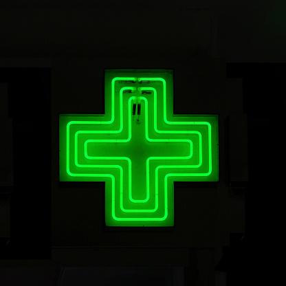 Emergency Services Occupation「Neon Medical Sign」:スマホ壁紙(14)
