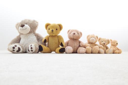 Medium Group Of Objects「teddy bears in a row」:スマホ壁紙(11)