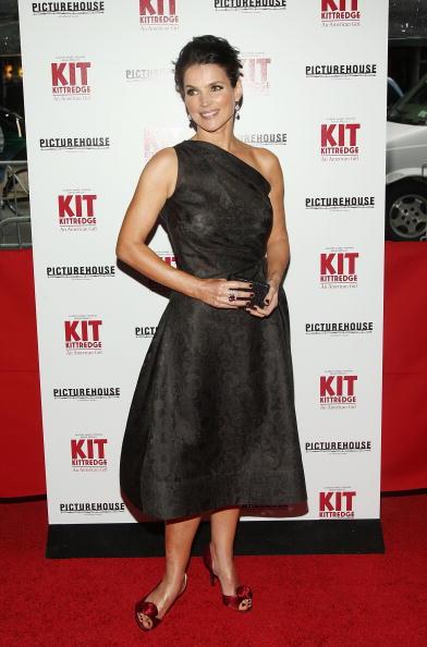 """Cocktail Dress「Premiere Of """"Kit Kittredge: An American Girl"""" - Inside Arrivals」:写真・画像(14)[壁紙.com]"""
