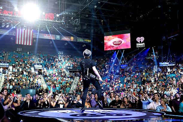 2015 iHeartRadio Music Festival - Night 2 - Show:ニュース(壁紙.com)