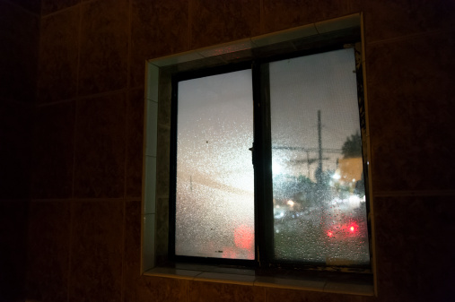 Motel「View from a window in a budget hotel at night」:スマホ壁紙(19)