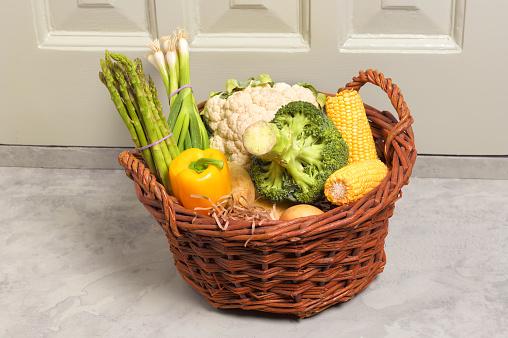 Front Door「Basket on floor with vegetables in」:スマホ壁紙(19)