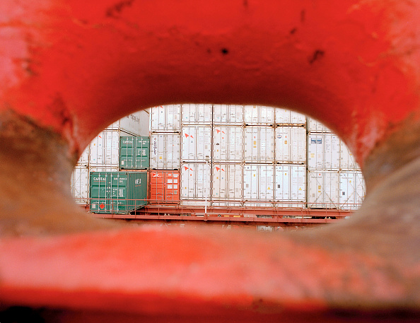 Heap「Netherlands, Rotterdam. Containership in the harbour of Rotterdam」:写真・画像(14)[壁紙.com]