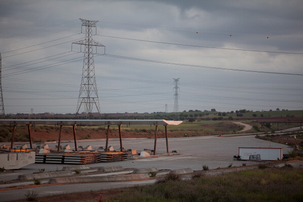 Material「Spain's 70 Million Euro Ghost Highway Remains Abandoned In Madrid」:写真・画像(5)[壁紙.com]