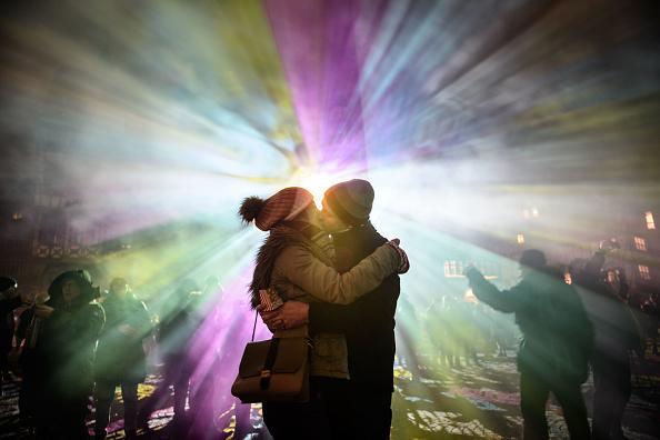 Couple - Relationship「Luminale Festival Illuminates Frankfurt Buildings」:写真・画像(0)[壁紙.com]