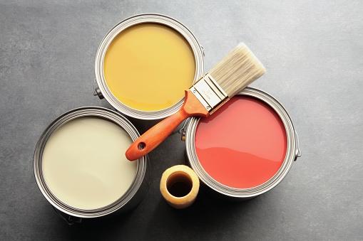 日曜大工「three paint cans with brush and roller」:スマホ壁紙(9)