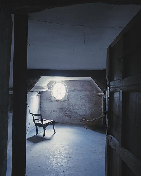 Horror「Mad Woman's Room」:写真・画像(2)[壁紙.com]