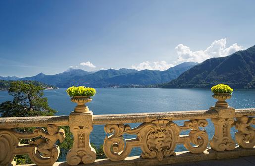 Lombardy「Ornate banister at Lake Como, Villa Balbianello, Lake Como, Italy」:スマホ壁紙(17)