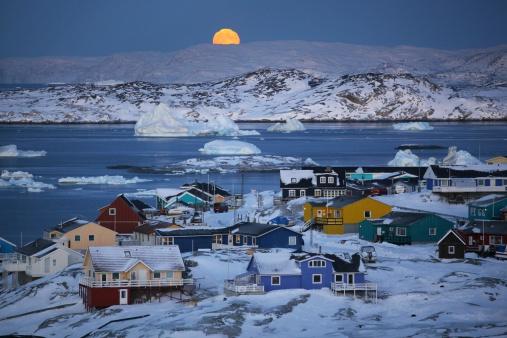 Greenland「Full moon,icebergs & colourful houses in Ilulissat」:スマホ壁紙(16)