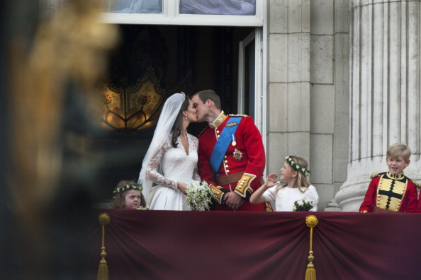 Royal Wedding of Prince William and Catherine Middleton「Royal Wedding Couple」:写真・画像(0)[壁紙.com]