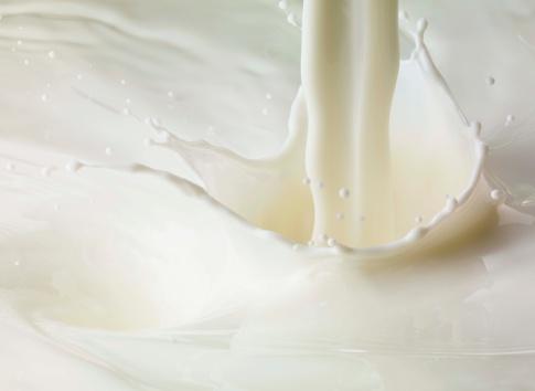 Image「Milk pour and splash」:スマホ壁紙(15)