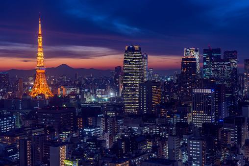 Tokyo Tower「Tokyo Tower light up and Mt Fuji at dusk」:スマホ壁紙(18)
