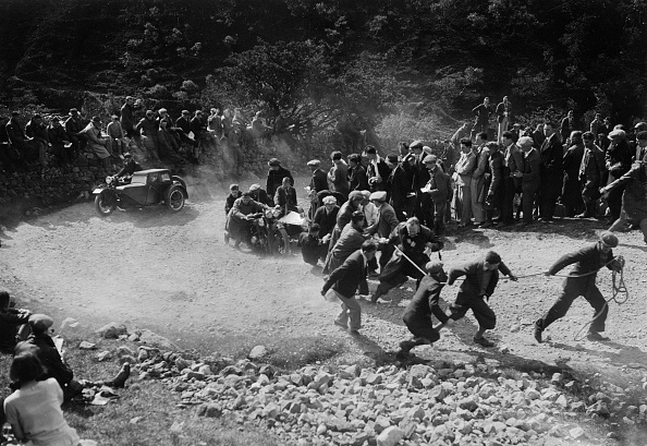 Hairpin Curve「Brough Superior and sidecar of W Allan competing in the MCC Edinburgh Trial, 1930」:写真・画像(17)[壁紙.com]