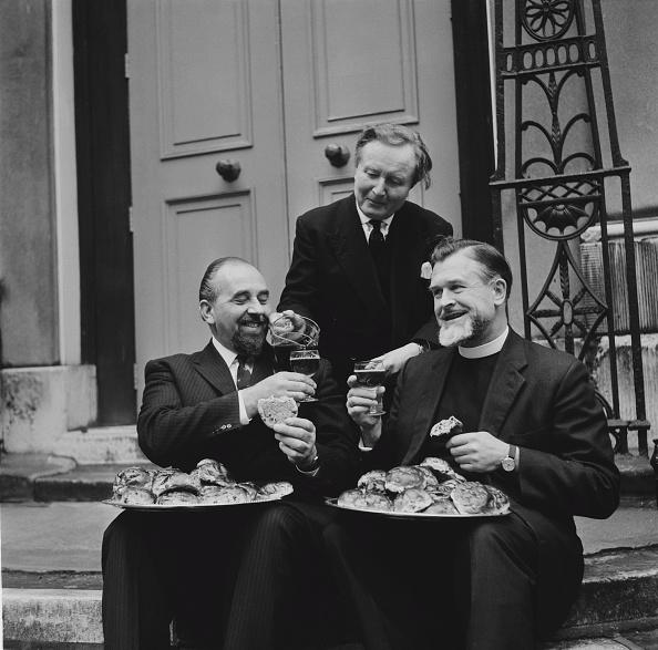 Priest「Cakes And Ale Ceremony」:写真・画像(6)[壁紙.com]