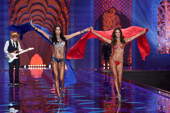 Victoria's Secret Fashion Show「2014 Victoria's Secret Fashion Show - Show」:写真・画像(14)[壁紙.com]