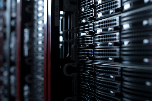 Data Center「Rackmount Servers in a Data Center」:スマホ壁紙(8)