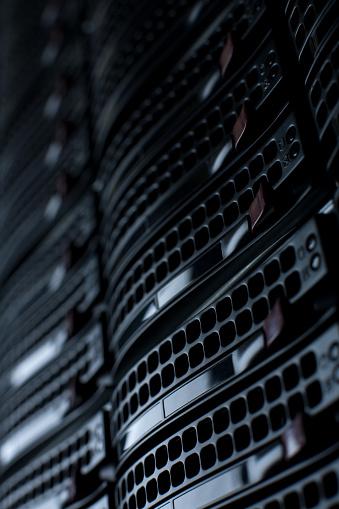 Data Center「Rackmount Servers in a Data Center」:スマホ壁紙(1)