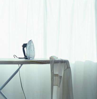 Laundry「Iron and shirt on ironing board」:スマホ壁紙(15)