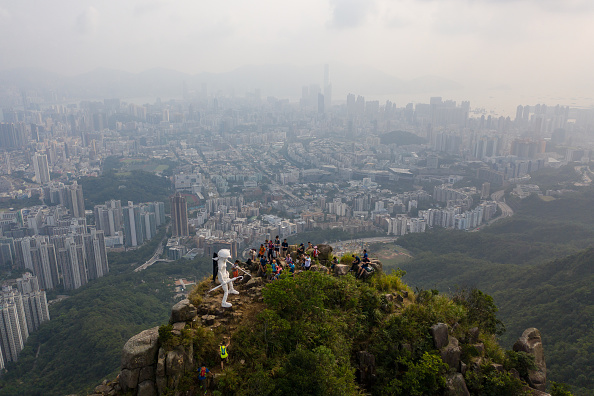 Mountain Peak「Anti-Government Protests Continue in Hong Kong」:写真・画像(3)[壁紙.com]
