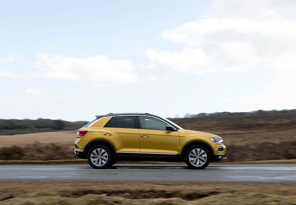 Road「2017 Volkswagen T-Roc. Creator: Unknown.」:写真・画像(5)[壁紙.com]