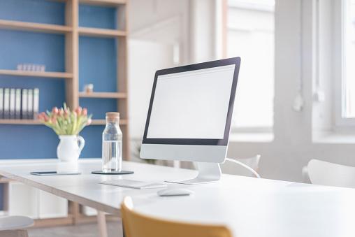 Desktop PC「Workplace in a loft」:スマホ壁紙(10)