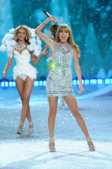 Victoria's Secret Fashion Show「2013 Victoria's Secret Fashion Show - Show」:写真・画像(17)[壁紙.com]