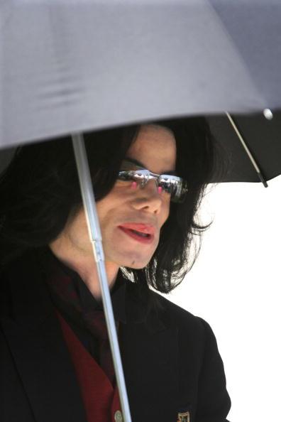 Animal Body Part「Michael Jackson Trial Continues」:写真・画像(17)[壁紙.com]