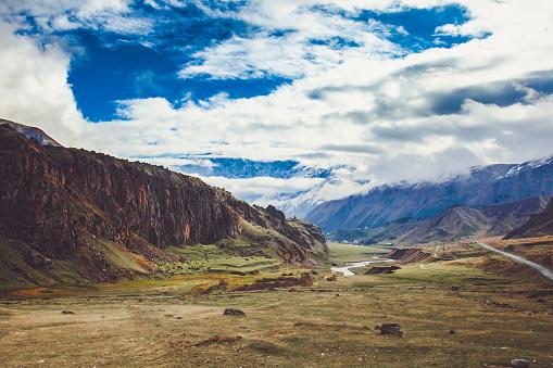 コーカサス山脈「山の風景 」:スマホ壁紙(12)