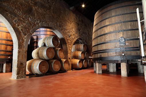 Basement「Porto wine cellar」:スマホ壁紙(5)