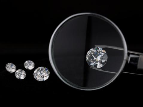 Tweezers「Magnifying glass over diamond」:スマホ壁紙(18)