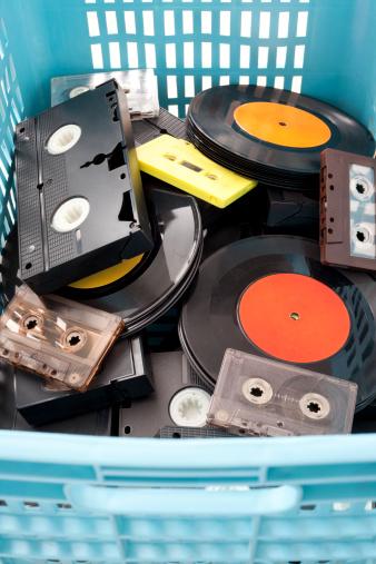 Rock Music「Obsolete media」:スマホ壁紙(4)