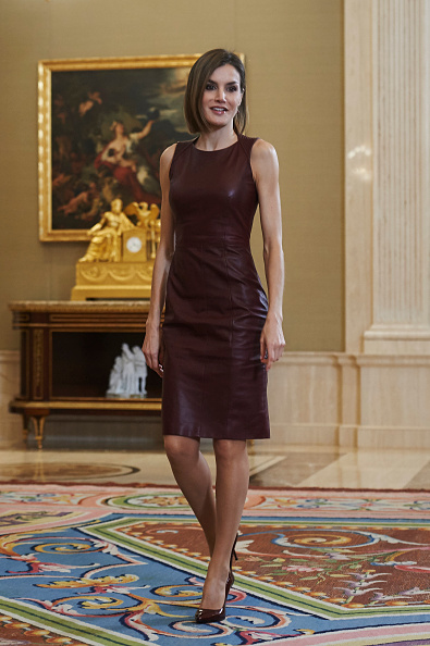 Leather「Queen Letizia of Spain Attends Audiences at Zarzuela Palace」:写真・画像(3)[壁紙.com]