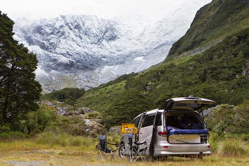 Fiordland National Park「A coffee stop under snowy mountians」:スマホ壁紙(12)