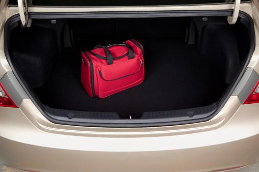 Boot「Luggage in Car Trunk」:スマホ壁紙(3)