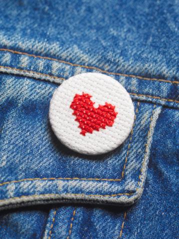Needlecraft Product「Embroidered heart button badge on denim jacket」:スマホ壁紙(4)